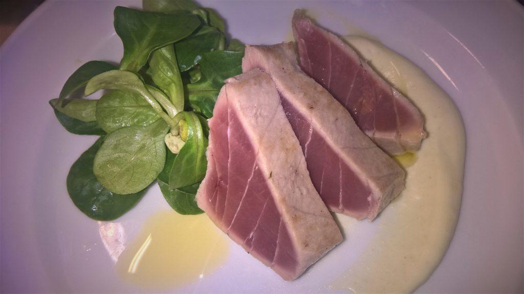 Thunfisch Wasabi Creme Blattsalat